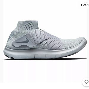 Nike Women's Free RN Motion FlyKnit Wolf Grey